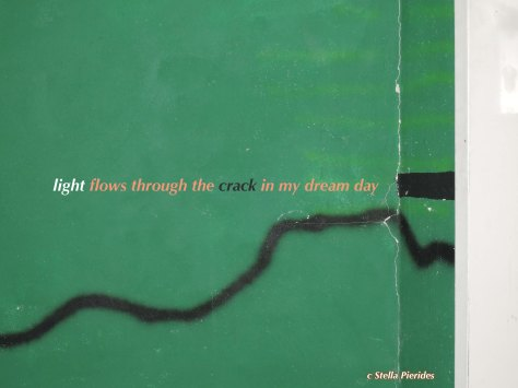haiga,light,crack,haiku,